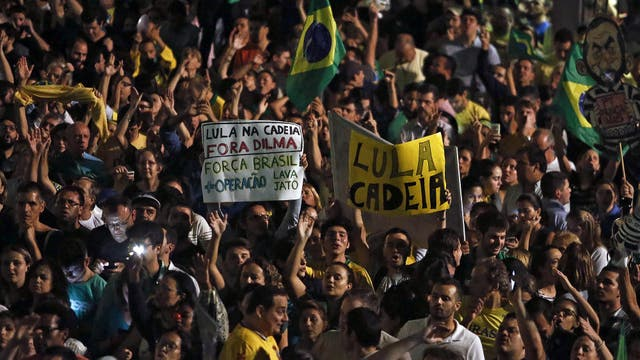Las calles de San Pablo se convirtieron rápidamente en un mar de gente que salió a protestar contra en gobierno de Dilma. Foto: AFP