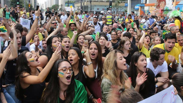 Protestas en la tradicional avenida Paulista de San Pablo