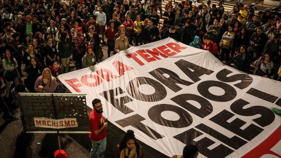 Resultado de imagen de fotos ultimas protestas en brasil
