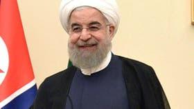 """El presidente de Irán, Hassan Rohani, es un religioso moderado asumió la presidencia en 2013. En las elecciones de mayo fue reelegido por otros cuatro años con el 57% de los votos. Prometió tener una """"relación constructiva con el mundo"""""""