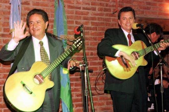 """Eduardo Duhalde y Ramón """"Palito"""" Ortega integraron la fórmula presidencial del PJ en las elecciones de 1999. Foto: Archivo"""