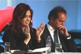 En los últimos días, el kirchnerismo atacó muy duro al gobernador Daniel Scioli, que decidió que no romperá con la Presidenta