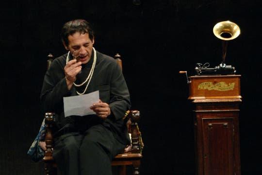 En la obra Yo soy mi propia mujer, bajo la dirección de Agustín Alezzo.