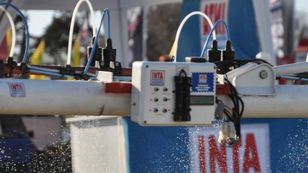 Detector de malezas: con una precisión que alcanza el 95%, detecta e identifica las manchas de malezas para luego ser tratadas con el fitosanitario seleccionado por el productor