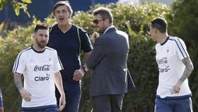 Lionel Messi y Angel Di María con Marcelo Tinelli, en una de las concentraciones de la selección