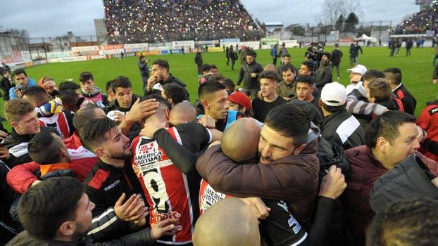 El Funebrero volvió a la elite del fútbol argentino. Foto: DyN