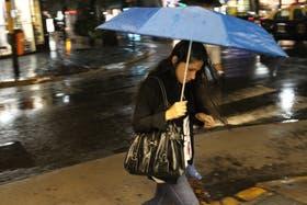 El Servicio Meteorológico (SMN) anuncia para hoy probabilidad de chaparrones y tormentas aisladas para La Plata y Capital Federal