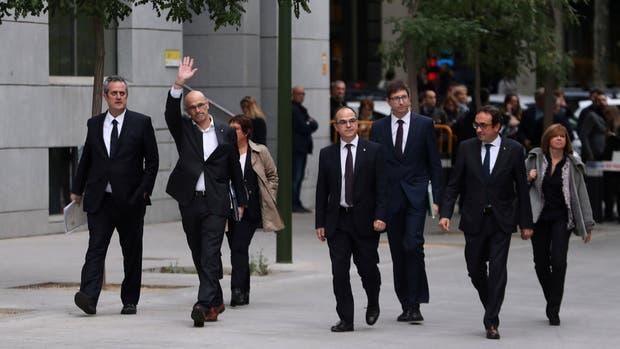 La llegada de los ex ministros, ayer, a la Audiencia Nacional