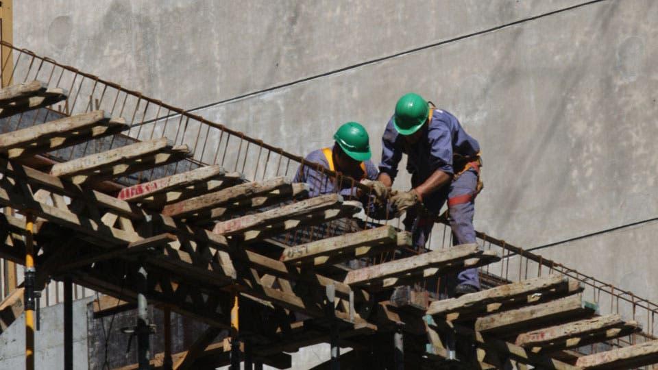 La construcción empujó la creación de empleo, con 42.600 nuevos trabajadores, un 10,3