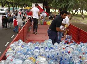 Con las donaciones completaron la capacidad de cuatro camiones