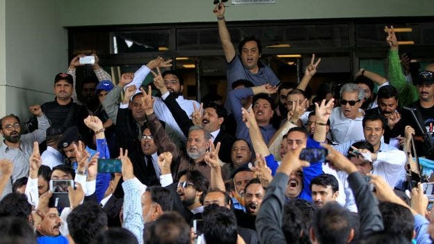 Partidarios de la oposición manifestaron su beneplácito cuando se anunció el veredicto