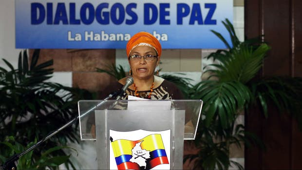 Victoria Sandino, del grupo insurgente, comunica las condiciones de la paz en La Habana
