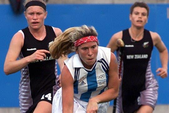 Oneto en acción, en el inolvidable 7 a 1 a Nueva Zelanda en Sydney 2000.. Foto: AP