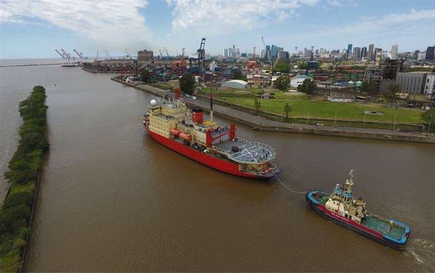 Cinco buques sostienen la búsqueda del ARA San Juan