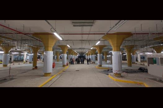 La Ciudad cree que así se regulará el tránsito de 550 combis, mientras que los pasajeros ganarán en confort y seguridad.. Foto: LA NACION / Fernando Massobrio