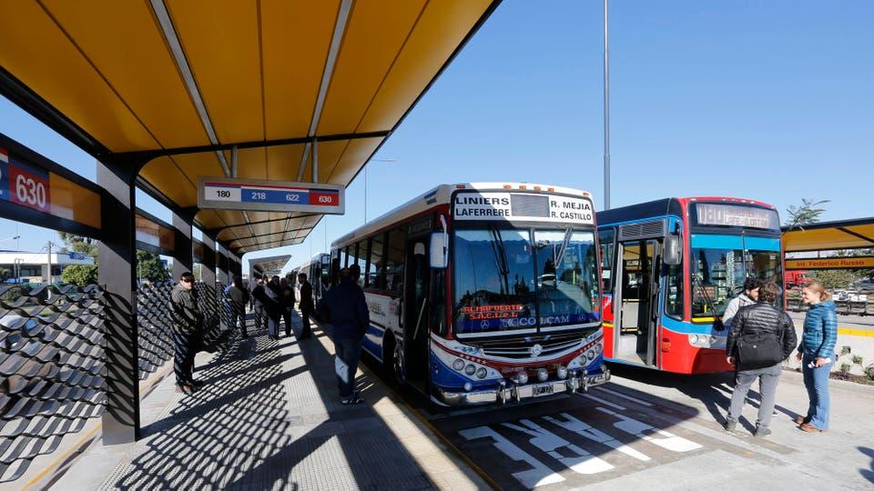 El Metrobus saldrá a la ruta por primera vez a principios de mayo en La Matanza. Foto: LA NACION / Ricardo Pristupluk