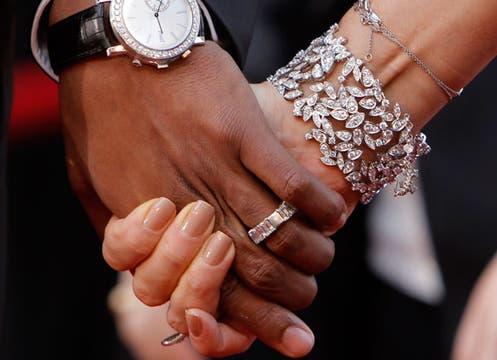 Las manos de Mariah Carey y su esposo Nick Cannon. Foto: Reuters
