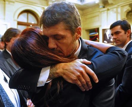 Marcelo Tinelli se acercó a saludar a la familia kirchner. Foto: Presidencia de La Nación