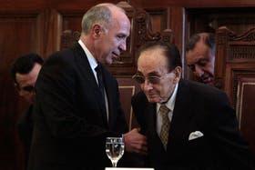 El juez Fayt, junto al presidente de la Corte, Ricardo Lorenzetti (izquierda)