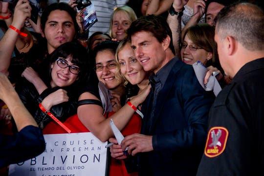 Foto foto foto foto. Un grupo de mujeres y la imagen que marcó sus noches. Foto: LA NACION / Matias Aimar