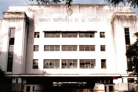 El antiguo edificio de Obras Sanitarias de la Nación