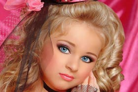 La joven Isabella despierta polémica por su fama temprana