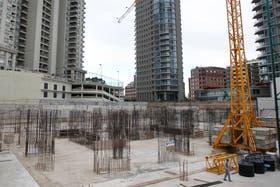 Ya se construyeron los cimientos y las cocheras del edificio