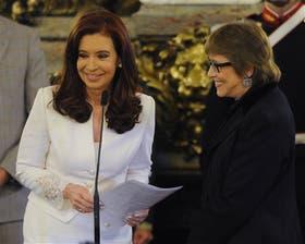 La popular folklorista prestó juramento ante Cristina Kirchner en el Salón Blanco de la Casa de Gobierno