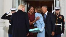 El regalo de Melania a Michelle generó un momento incómodo