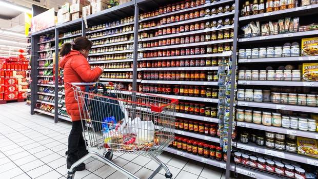 """Todesca aseguró que """"no hay ninguna razón estructural"""" para que la inflación de junio sea mayor que el 1,3 por ciento de mayo"""