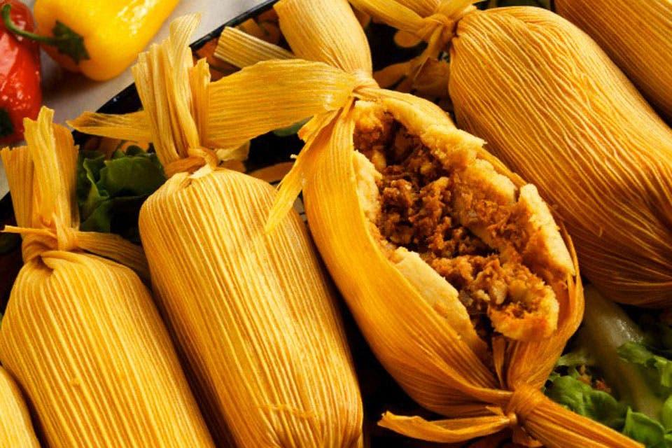 En Alimentos, Saberes y Sabores Jorge Garufi recupera con espíritu enciclopédico los productos y platos que configuran la cocina del NOA. Un libro imprescindible para los buscadores del ADN de nuestra gastronomía.
