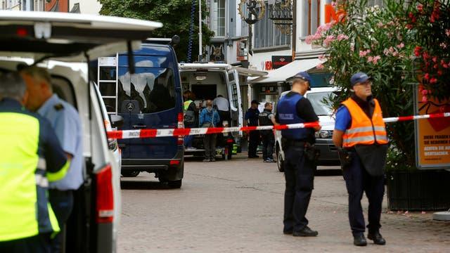 Hombre atacó con motosierra a cinco personas en plena vía pública — Suiza