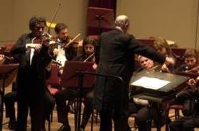 """Luis Roggero, concertino de la OSN, se transformó en el brillante solista """"de emergencia"""""""