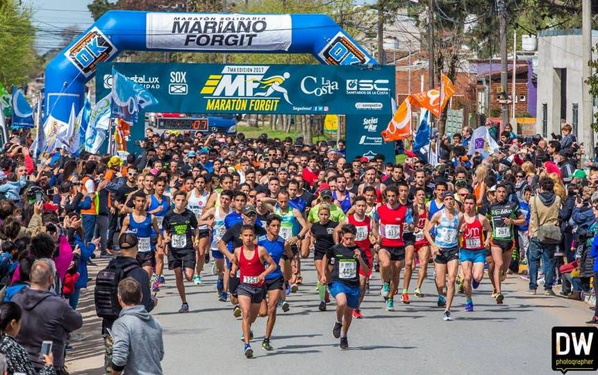Largada del Maratón Solidario Mariano Forgit