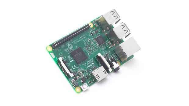 Con un precio de 35 dólares, la microcomputadora Raspberry Pi 3 cuenta con un procesador más potente y conectividad Bluetooth y Wi-Fi