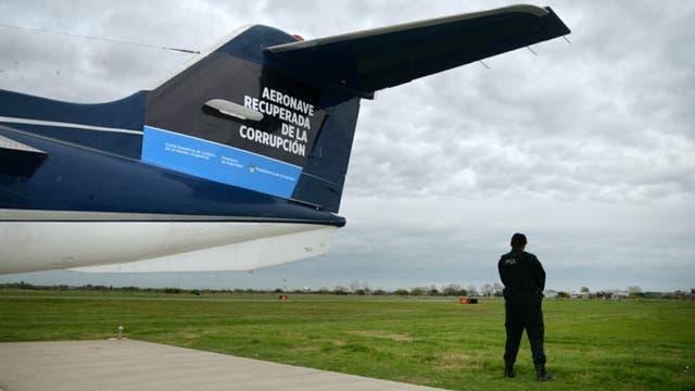 Resultado de imagen para el avion de lazara baez policia federal