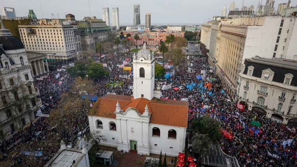 CFK tras la marcha y represión policial: