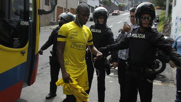 Chile: Pizzi asumió la responsabilidad de la goleada ante Ecuador