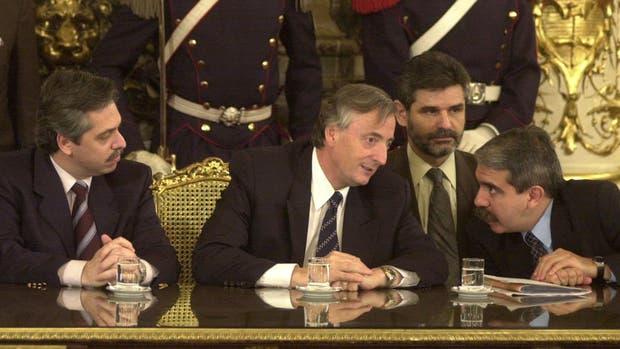 Denuncian a ex funcionarios del gabinete del ex presidente Néstor Kirchner por administración infiel en perjuicio del Estado