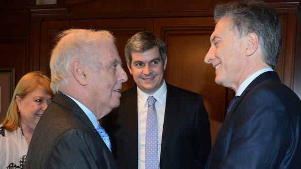 Macri se reunió con el director de orquesta argentino Daniel Barenboim en Alemania