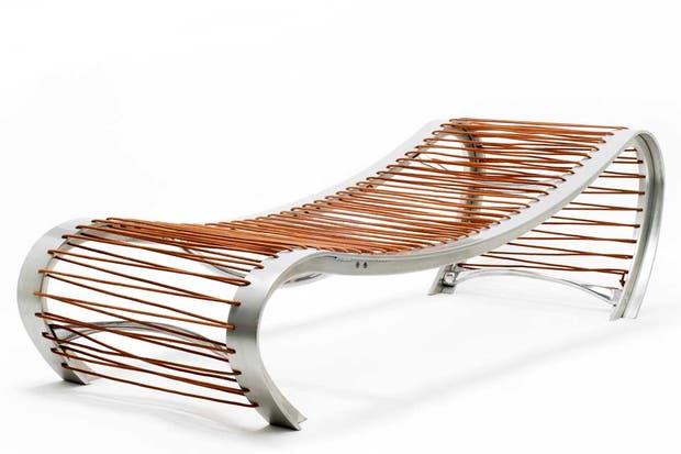 Con base en metal y cuerdas tensoras. Foto: www.revistaplot.com/es/
