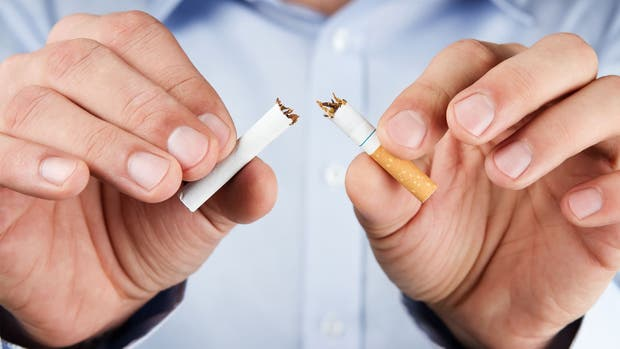"""Phillip Morris buscaría dejar de vender cigarros"""""""