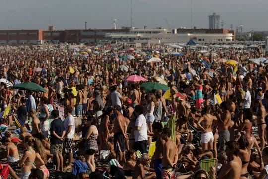 Mar del Plata, a full y con días de playa. Foto: LA NACION / Mauro V. Rizzi