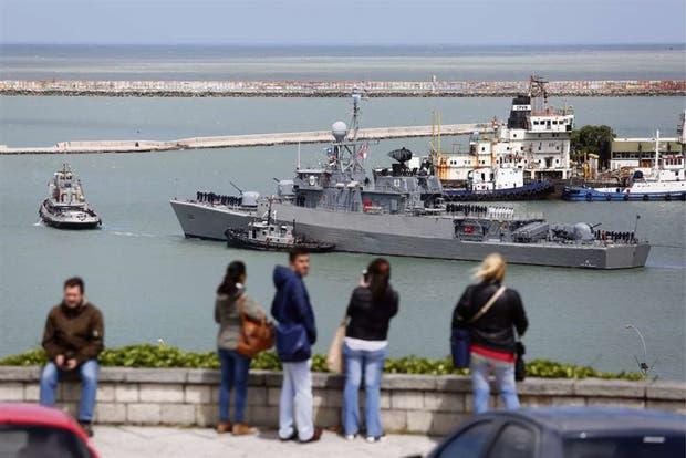 La corbeta Espora partió ayer de la Base Naval de Mar del Plata rumbo a las operaciones