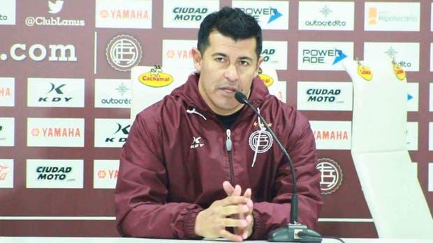 Almirón piensa en un equipo alternativo ante Boca