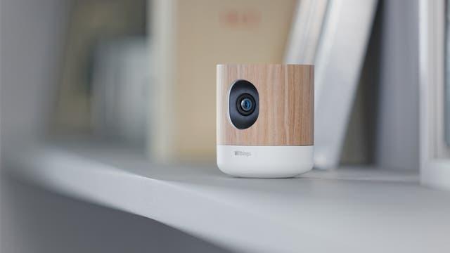 Una cámara hogareña Withings; también tiene monitor de calidad de aire