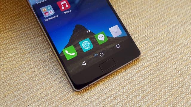 La pantalla del Philips Xenium X818 es de 5,5 pulgadas