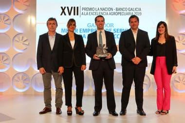 Alejandro Palacio, Cristina Bandieri, Alfredo Santamarina y Guillermo Castro, de Sanpa semillas, Mejor Empresa de Servicios para la Producción