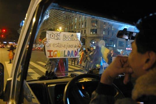 Alrededor del Obelisco se realizó la marcha que apoya el matrimonio gay y la igualadad de derechos. Foto: LA NACION / Leandro Aranda