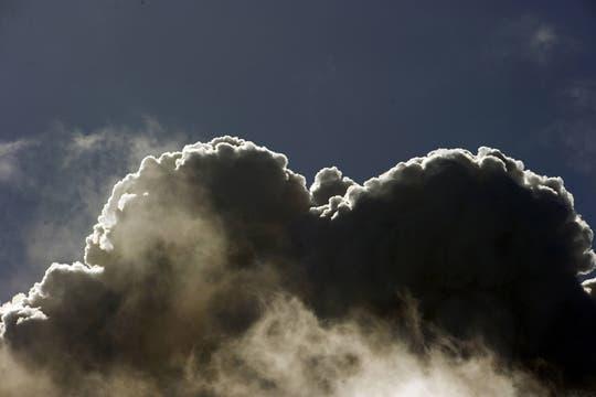 La expulsión de lava ya había sido anticipada por el director del Servicio Nacional de Geología y Minería de Chile, Enrique Valdivieso. Foto: AFP